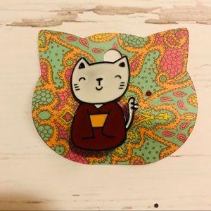 Jewelry - Kimono kitty enamel pin